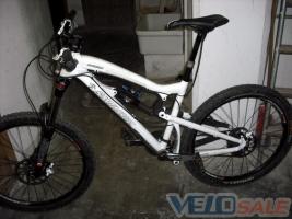 продам  santa cruz nomad v.2 2011 года в отличном состоянии