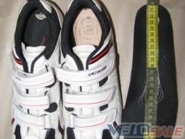 Продам Specialized - Мукачеве - взуття для велосипеда 700 грн.