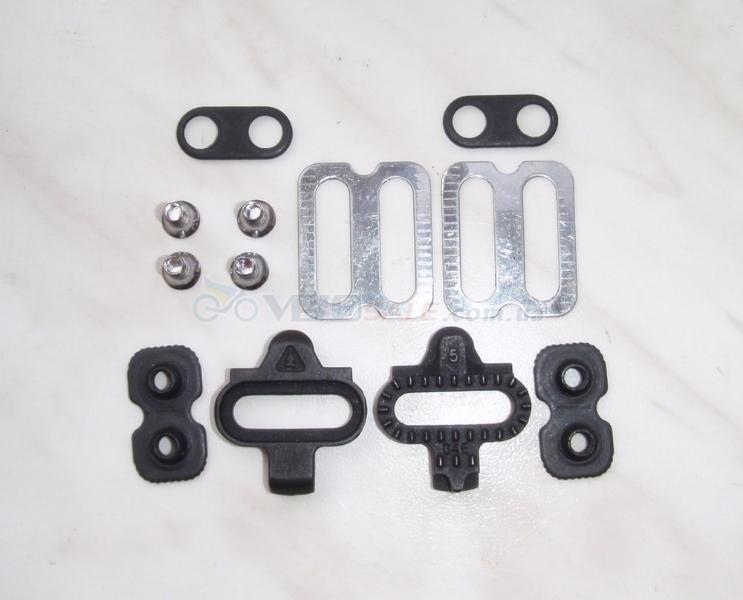 новые шипы SPD Cleat Set  для контактных педалей
